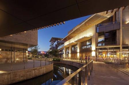 现代感风格购物中心设计参考