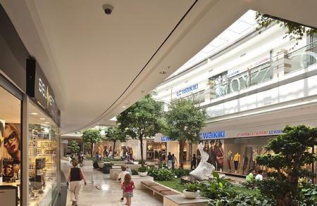 现代感风格商场设计案例