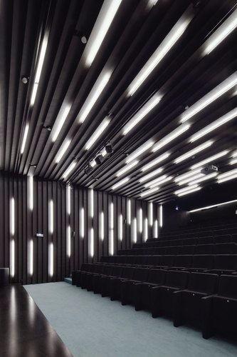 未来感电影院设计效果图