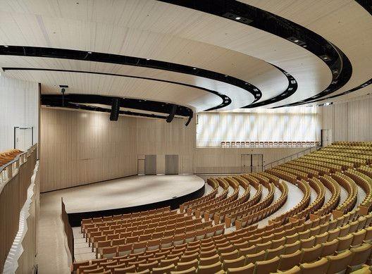 未来感电影院设计方案