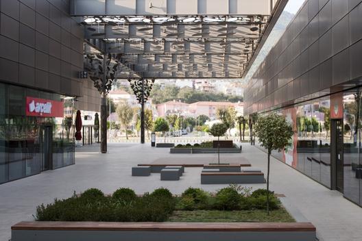 现代感shopping mall设计图片